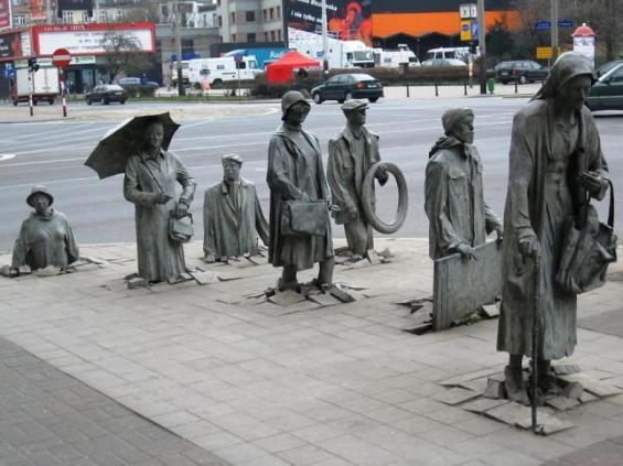 anonim-insanlarin-heykeli-wroclaw-poland_780x585-b6f9d0vy7l